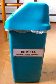 Biomüll (organic waste bin)