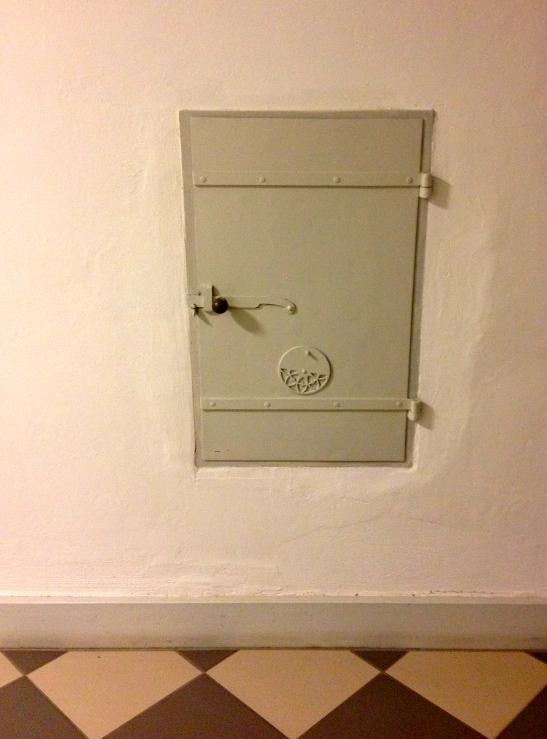 Door in the bedroom. See the vent?