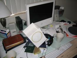 clutter desk
